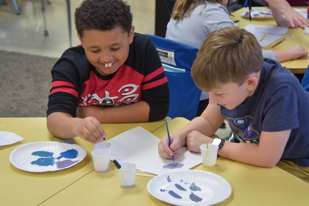 Montrose third-graders painting